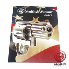 2005 Smith & Wesson Firearms Catalog Brochure