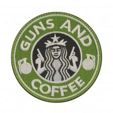 Guns & Coffee Geborduurde Patch met klittenband