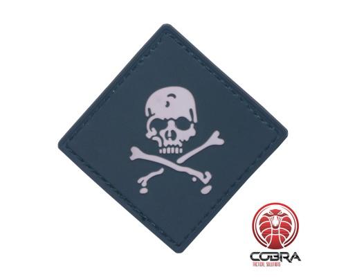 Skull bones Dangerous green PVC Patch met klittenband
