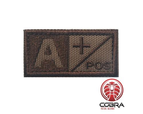 Bloedgroep A + POS bruin geborduurde militaire patch met klittenband