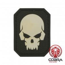 3D PVC patch Fluo Doodshoofd met zwarte achterkant en klittenband